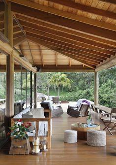 House in Brazil by Cadas Architecture -- I want that veranda! Exterior Design, Interior And Exterior, Outdoor Spaces, Outdoor Living, Indoor Outdoor, Terrasse Design, Patio Design, Garden Design, Wooden House