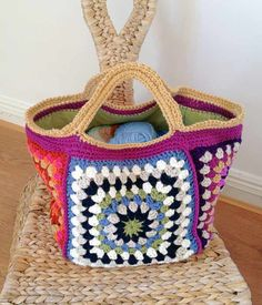 Chunky retro granny stash bag: free pattern. Nice and roomy <3 Enjoy the free pattern