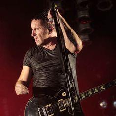 Cinco anos depois, Nine Inch Nails anuncia que novo disco está pronto: http://rollingstone.uol.com.br/noticia/cinco-anos-depois-nine-inch-nails-anuncia-que-novo-disco-esta-pronto/ …