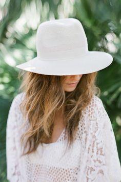 Chapeau Lou La Malle de la Mariée Rime Arodaky - La Fiancée du Panda blog Mariage et Lifestyle #bohemian #weddingdress
