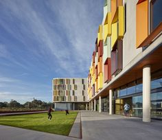 JCB Architects completed the Turner Building Student Accommodation for Monash University in Melbourne, Australia. The Turner Building was designed to meet both Monash University's core … Signage Display, Living Environment, Energy Use, Sustainable Design, Higher Education, Ground Floor, Melbourne, Solar, University
