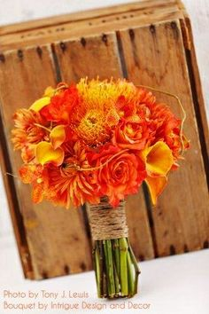 I'm really liking the natural twine too- to tie in the khaki. Fall Bouquets, Wedding Bouquets, Wedding Flowers, Fall Flowers, Sunset Wedding, Autumn Wedding, Wedding Bells, Wedding Day, Orange Rosen