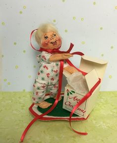 """1983 Annalee Mobilitee Doll Vintage 7"""" Christmas Morning Boy in Pajamas opening present USA by Anaforia on Etsy"""