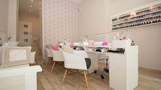 Nail Salon Design, Nail Salon Decor, Beauty Salon Decor, Beauty Salon Design, Bar Interior, Studio Interior, Room Interior, Diy Nail Polish Rack, Nail Room