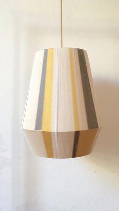 Boho Living Room, Living Room Decor, Paper Lampshade, Diy Chandelier, Diy Interior, Sustainable Design, Lamp Shades, Pendant Lamp, Rattan