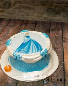 Gâteau Cendrillon Cinderella Birthday, Cinderella Cakes, Edible Photo Cake, Disney Castle Cake, Barbie Cake, Disney Food, Birthday Cake, Birthday Ideas, Sweet Girls