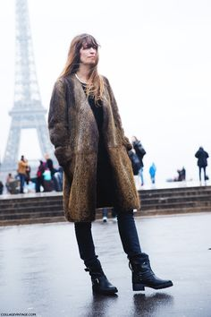 Caroline de Maigret wears a brown fur coat over black basics and finishes the look with motorcycle boots Fur Fashion, Fashion Week, Paris Fashion, Style Fashion, Fashion Black, Petite Fashion, Lolita Fashion, Fashion Bloggers, Fashion Dresses