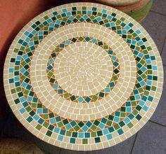 Tampo de mesa em mosaico | Alem da Rua Atelier