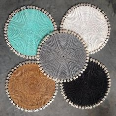 Placemat Tropical Rattan With Cowrie Shells
