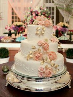 🧁 Gâteau de mariage 👰 Idées et inspirations 98 🕊 #clubboxingday #boxingday #boxi #rabais #circulaire #shopping #soldes #circulaireenligne #mariage #wedding #bridal #weddingcake #gateau #cake