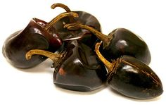 Cascabel Chili Peppers  1,000-3,000 Scovilles.