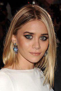 """Ashley Olsen Born: June 13, 1986 in Sherman Oaks, California, USA Height: 5' 3"""" (1.6 m)"""
