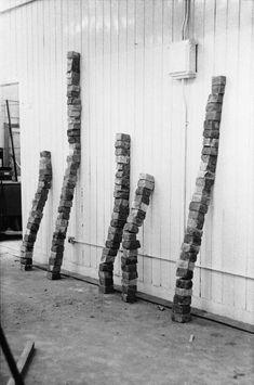 Stacks of Bricks 1973, Tony Cragg