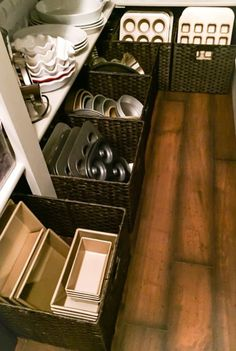 Floor pantry baskets