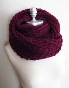 Wine Red Infinity Scarf, Chunky Knit, Fall Scarf, Winter Scarf, Thick, Fall Colors, Cold Weather Fashion Knitwear