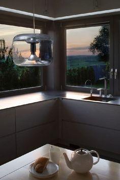 Widok na Zielonki z okna usytuowanego od zachodu robi wrażenie - zwłaszcza wieczorem House Plans, Flat Screen, Architecture, Barn, Design Ideas, Home, Kitchens, Blue Prints, Houses