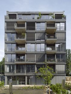Das mehrdeutige Gesicht - Baugruppenprojekt von roedig.schop in Berlin