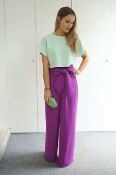 I ♡♡♡♡these purple pants! Color Blocking Outfits, Casual Outfits, Fashion Outfits, Womens Fashion, Cool Winter, Mode Hijab, Overall, Work Attire, Colorful Fashion