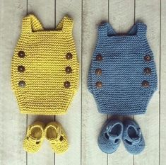 Unique design poncho and poncho dress in one tutorial - English version - Crochet Hood Knitting For Kids, Baby Knitting Patterns, Crochet For Kids, Baby Patterns, Knitting Projects, Crochet Projects, Hand Knitting, Knit Crochet, Crochet Patterns