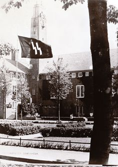 This is the headquarters of the Nazi Security Police and Security Services in the Euterpestraat in Amsterdam. Miep Gies goes there a few days later to try to get the people from the Annex released. She does not succeed.