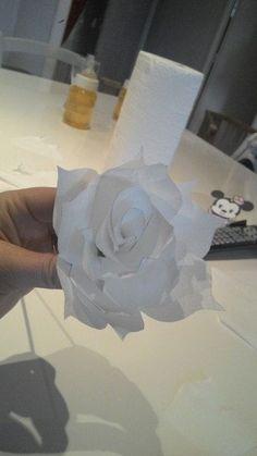 How to Make Fancy Flowers - homedesign Origami Swan, Origami Rose, Diy Origami, Tissue Flowers, Felt Flowers, Paper Flowers, Origami Owl Fall, Origami Owl Bracelet, Origami Box Tutorial
