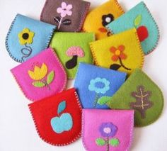 felt cases For tooth fairy stones to keep safe Felt Diy, Felt Crafts, Fabric Crafts, Felt Case, Felt Pouch, Hobbies And Crafts, Crafts For Kids, Arts And Crafts, Operation Christmas Child