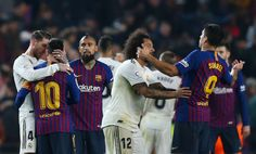 Luis Suarez of FC Barcelona and Marcelo Vieira of Real Madrid CF talk at the end of the Copa del Semi Final first leg match between Barcelona and Real Madrid at Nou Camp on February 2019 in. Get premium, high resolution news photos at Getty Images Camp Nou, Real Madrid, Santiago Bernabeu, Soccer News, Soccer Stars, Churros, Fc Barcelona, Messi, Two By Two