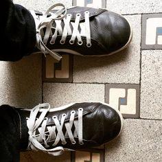 #lachaussuredujour #LCDJ #L15R #fashionistas #shoe #shoes #shoesoftheday #schuh #schuhe #chaussure #chaussures #picoftheday #potd #instadaily #photooftheday #instagood #followme #fashion #iloveshoes #shoefie #sneeker #sneekers #sneekerporn hamburg, schanze uwe 20150706