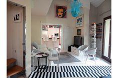 villa in vendita a Riccione a colle dei pini, ampio giardino per questa villa dai grandi spazi disposta su tre livelli, prezzo interessante.