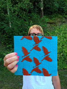 Me and my handprinted and -dyed dishcloth.  Kiikar-Riikka