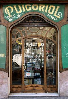Fachada modernista de una tienda en Barcelona - Mallorca 312 b by Arnim Schulz, via Flickr