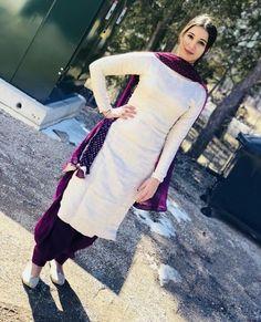 trendy Ideas for how to wear shirt dress life Patiala Suit Designs, Kurta Designs Women, Kurti Designs Party Wear, Salwar Designs, Dress Designs, Patiala Suit Wedding, Punjabi Suits Party Wear, Punjabi Suits Designer Boutique, Indian Designer Suits