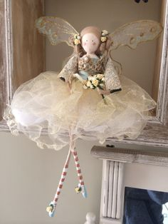 Bridal Fairies look enchanting displayed in these floating frames. Christmas Fairy, Christmas Angels, Christmas Crafts, Fairy Crafts, Doll Crafts, Handmade Crafts, Diy And Crafts, Ideias Diy, Clothespin Dolls