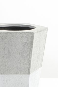 planter made of sustainable cement || by anchi Sustainable Design from Vietnam
