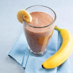 Banana-Cocoa Soy Smoothie (unsweetened almond milk, 1 tbsp cocoa powder, regular tofu, two ice cubes)
