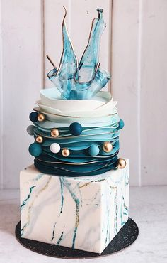 What we have seen from wedding cake industry in recent years is that cakes are getting small, unique in versatile ways. Creative cake designers areREAD MORE Mini Wedding Cakes, Unique Wedding Cakes, Unique Cakes, Creative Cakes, Creative Cake Decorating, Modern Cakes, Crazy Cakes, Fancy Cakes, Beautiful Cake Designs