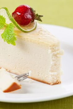 Low Carb New York Ricotta Cheesecake Dessert Recipe (low carb sweets sugar substitute) Brownie Desserts, Mini Desserts, Sugar Free Desserts, Just Desserts, Atkins Cheesecake Recipe, Cheesecake Recipes, Dessert Recipes, No Carb Cheesecake, Caramel Cheesecake