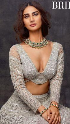 Vaani Kapoor In Brides Today Magazine Photoshoot Pics Indian Actress Hot Pics, Bollywood Actress Hot Photos, Indian Bollywood Actress, Bollywood Girls, Beautiful Bollywood Actress, Most Beautiful Indian Actress, Bollywood Celebrities, Bollywood Fashion, Indian Actresses