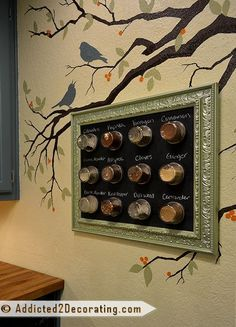 DIY magnetic spice rack ~ I like the magnetic chalkboard backing but I'm afraid some smart ass is going to come and switch the spices on me and I'm going to end up putting all spice on my french toast instead of cinnamon Magnetic Spice Racks, Diy Spice Rack, Spice Holder, Spice Storage, Kitchen Storage, Bed Storage, Diy Tableau, Magnetic Chalkboard, Chalkboard Paint