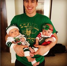 Zach Parise and his twins ❤️