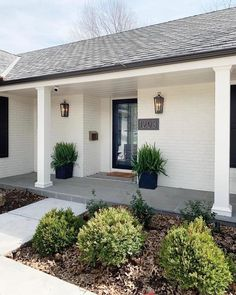 40 Beautiful Front Yard Design Ideas That You Definitely Like - In general, when you are landscaping a front yard you will have to use different principles and plant selection than you would in the backyard. Brick Ranch Houses, White Brick Houses, White Exterior Houses, Ranch Exterior, House Paint Exterior, Exterior Remodel, Exterior House Colors, Exterior Design, White Wash Brick Exterior