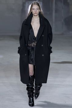 Saint Laurent Fall 2017 Ready-to-Wear Collection Photos - Vogue
