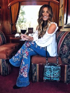 Boho Style Picture Description modern hippie Source by Modern Hippie Style, Hippie Style Clothing, Hippie Look, Gypsy Style, Modern Hippie Fashion, Modern Hippy, Gypsy Clothing, Modern Hippie Clothes, Hippie Style Hair
