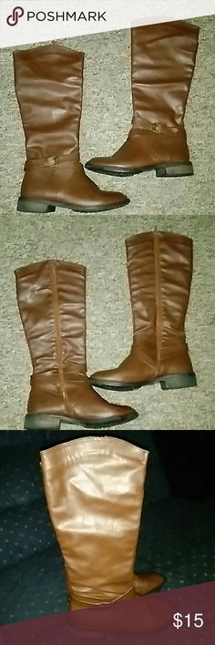 Brown riding boots Brown riding boots great condition, I ordered on Groupon and they are too big for me. They are a 7 1/2 but I think would fit an 8. bucco Shoes Heeled Boots