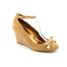 Ellen Tracy Factor Womens Size 6 Brown Suede Wedges Heels Shoes New/Display This shoes / sandals / boots style name or model number is Factor. Color: Camel/Cappuccino. Material: Suede. Measurements: 3 heel. Width: M.  #Ellen_Tracy #Shoes