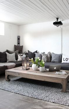60 Einrichtungsideen Wohnzimmer Rustikal my living room with black sitting area living room and rustic wooden coffee table Living Room Grey, Home And Living, Small Living, Cozy Living, Oriental Living Room Decor, Living Room Ideas With Grey Couch, Dark Grey Carpet Living Room, Black Carpet, Modern Carpet