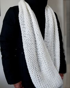 Free Pattern: Super Superbowl Cowl by Margaret Zellner