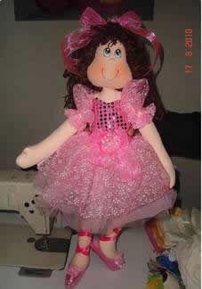 Patrón de esta bonita muñeca bailarina.