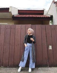 Modest Fashion Hijab, Modern Hijab Fashion, Street Hijab Fashion, Casual Hijab Outfit, Hijab Fashion Inspiration, Hijab Chic, Muslim Fashion, Ootd Fashion, Ootd Hijab