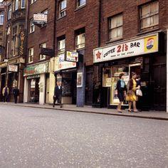 coffee bar Old Compton Street Soho 1964 Vintage London, Old London, Vintage Shops, Berwick Street, London View, Swinging London, London History, Heaven And Hell